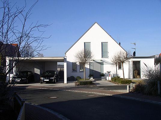 offene garage in obermichelbach carport in sichtbeton objekte. Black Bedroom Furniture Sets. Home Design Ideas